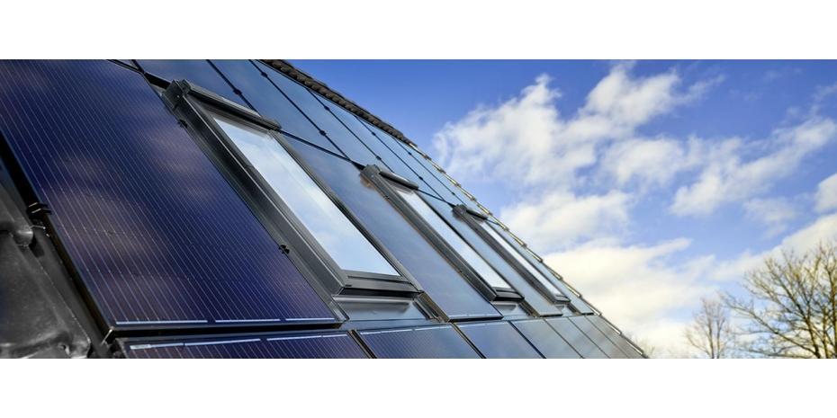 Dakraamproducent VELUX lanceert Solar Integrator: speciaal dakraam voor zonnepanelen